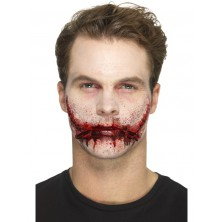 Zranění latexové, proříznutá pusa